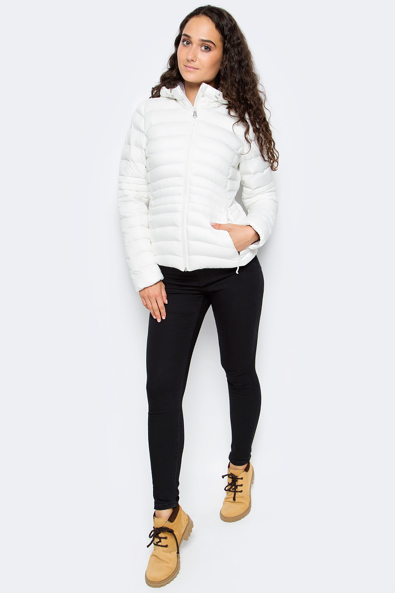 Куртка женская Reebok Od Bomber Dwnlk Jck, цвет: белый. BR0506. Размер S (42/44)BR0506Женская куртка Reebok выполнена из водонепроницаемой и дышащей ткани - высококачественного полиэстера. В качестве наполнителя используется 100% полиэстер. Модель с капюшоном оснащена двумя прорезными карманами на застежках-молниях. Объем капюшона регулируется при помощи шнурка со стопперами.