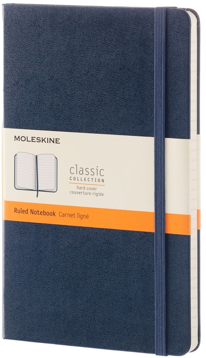 Moleskine Записная книжка Classic Large 120 листов в линейку цвет синийQP060B20Простая, но уже ставшая классикой записная книжка Moleskine Classic Large в линейку станет вашим стильным попутчиком. Она идеально подходит для подсчетов, записи мыслей и заметок. Выполнена в картонной обложке со скругленными углами, закладкой, эластичной застежкой и вместительным внутренним карманом, куда вложена открытка с историей Moleskine.