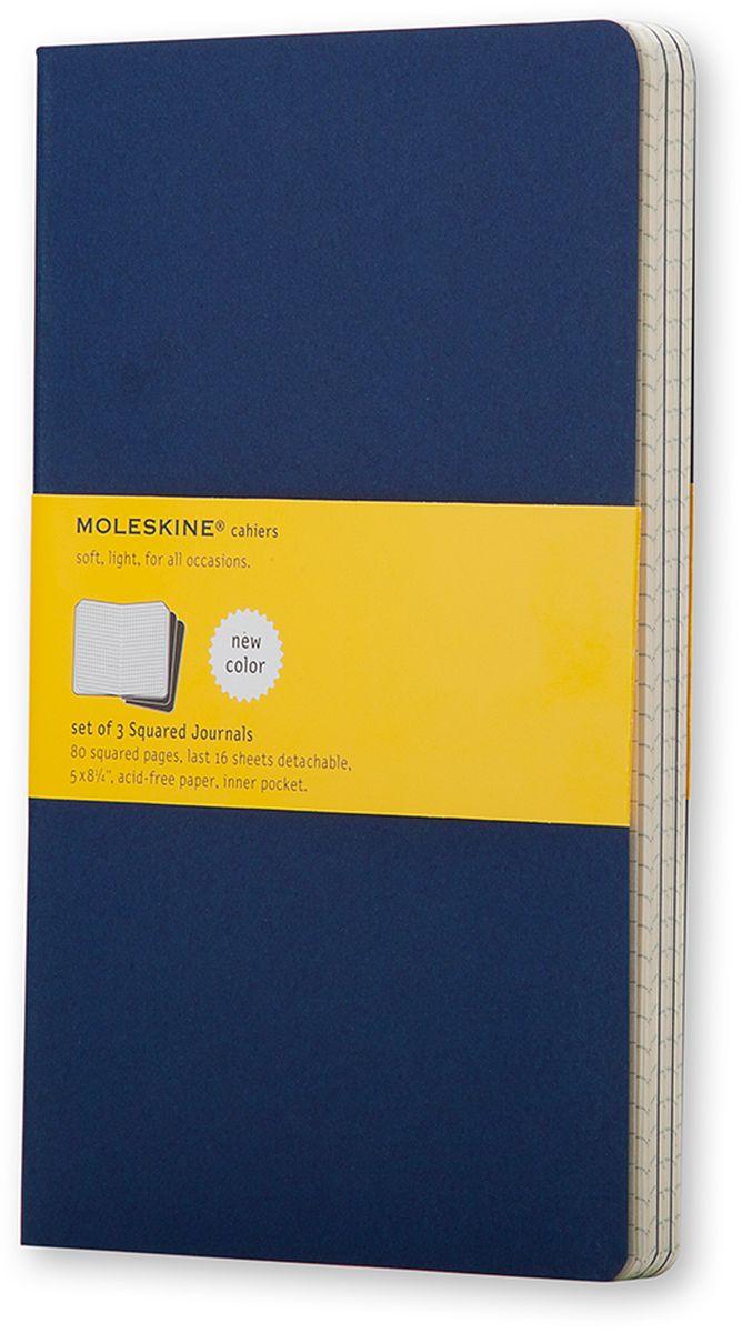 Moleskine Набор записных книжек Cahier Large 40 листов в клетку цвет темно-синий 3 штCH217Записные книжки Moleskine Cahier Journal Large отличаются гибкой и прочной картонной обложкой и хорошо заметной прошивкой на корешке. Внутренний блок состоит из 40 листов бумаги в клетку, последние 16 листов отделяются. Есть карман для заметок на отдельных листах. В набор из 3 штук вложена открытка с историей Moleskine.