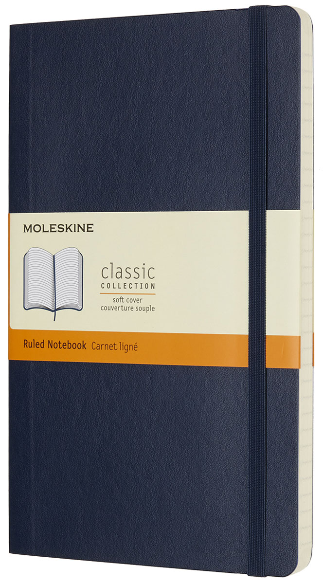 Moleskine Записная книжка Classic Soft Large 96 листов в линейку цвет синийQP616B20Записная книжка Moleskine Classic Soft имеет цветную мягкую обложку со скругленными углами и обладает всеми преимуществами легендарной записной книжки Moleskine. Обложка гибкая и прочная. Плотные бумажные страницы только и ждут того, чтобы вы заполнили их своими идеями. Записная книжка дополнена лентой-закладкой, эластичной застежкой и вместительным внутренним карманом, куда вложена открытка с историей Moleskine.Эта записная книжка бесспорно станет надежным спутником в путешествии и поможет сохранить яркие впечатления, воспоминания и наблюдения.
