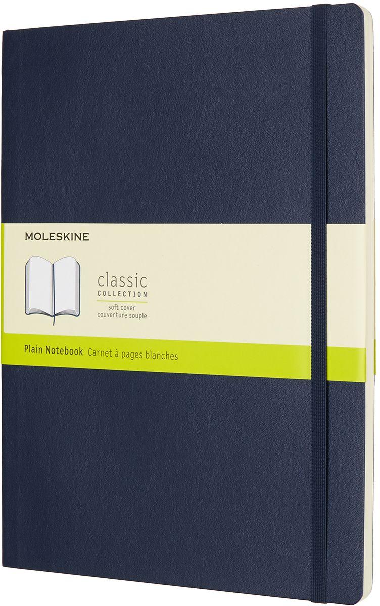 Moleskine Записная книжка Classic Soft Xlarge 96 листов без разметки цвет синийQP623B20Записная книжка Moleskine Classic Soft имеет цветную мягкую обложку со скругленными углами и обладает всеми преимуществами легендарной записной книжки Moleskine. Обложка гибкая и прочная. Плотные бумажные страницы только и ждут того, чтобы вы заполнили их своими идеями. Записная книжка дополнена лентой-закладкой, эластичной застежкой и вместительным внутренним карманом, куда вложена открытка с историей Moleskine.Эта записная книжка бесспорно станет надежным спутником в путешествии и поможет сохранить яркие впечатления, воспоминания и наблюдения.