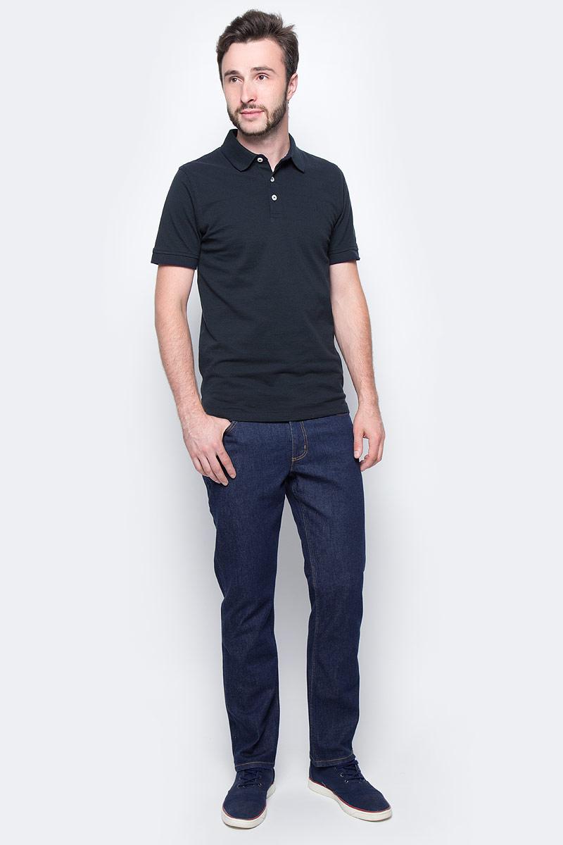Джинсы мужские Lee Brooklyn Straight, цвет: темно-синий. L4527145. Размер 33-34 (48/50-34)L4527145Стильные мужские джинсы Lee Brooklyn Straight - джинсы высочайшего качества на каждый день, которые прекрасно сидят. Модель прямого кроя и средней посадки изготовлены из высококачественного материала, не сковывают движения. Изделие оформлено тертым эффектом и перманентными складками. Застегиваются джинсы на пуговицу и ширинку на застежке-молнии, имеются шлевки для ремня. Спереди модель оформлены двумя втачными карманами и одним небольшим секретным кармашком, а сзади - двумя накладными карманами.Эти модные и в тоже время комфортные джинсы послужат отличным дополнением к вашему гардеробу. В них вы всегда будете чувствовать себя уютно и комфортно.