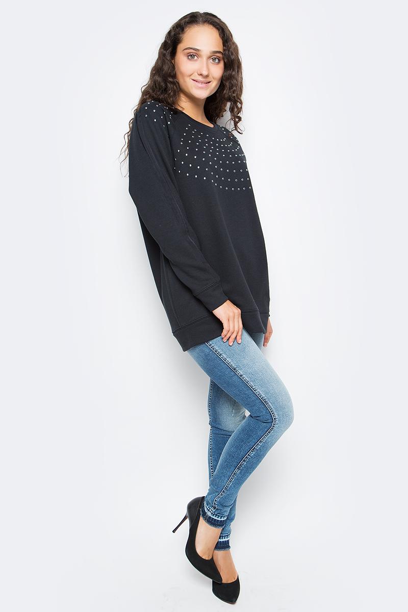 Джемпер женский Calvin Klein Jeans, цвет: черный. J20J205395_0990. Размер M (44/46)J20J205395_0990Удобный женский джемпер Calvin Klein изготовлен из натурального хлопка с добавлением полиэстера. Модель с круглым вырезом горловины и длинными рукавами дополнена металлическими стразами. Вырез горловины, низ и манжеты дополнены эластичной резинкой.