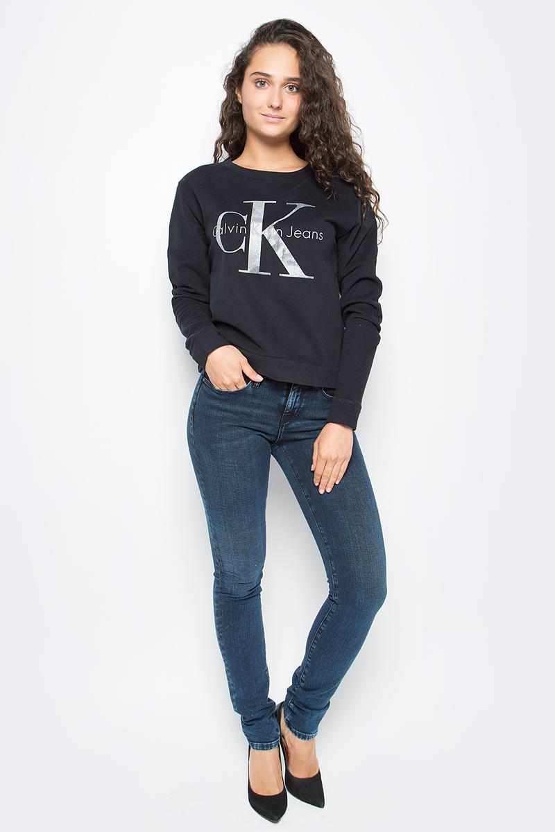 Джемпер женский Calvin Klein Jeans, цвет: черный. J20J205390_0990. Размер XL (48/50)J20J205390_0990Оригинальный женский джемпер Calvin Klein выполнен из натурального хлопка. Модель с круглым вырезом горловины и длинными рукавами оформлена оригинальным принтом. Низ изделия, манжеты и горловина дополнены эластичной резинкой.