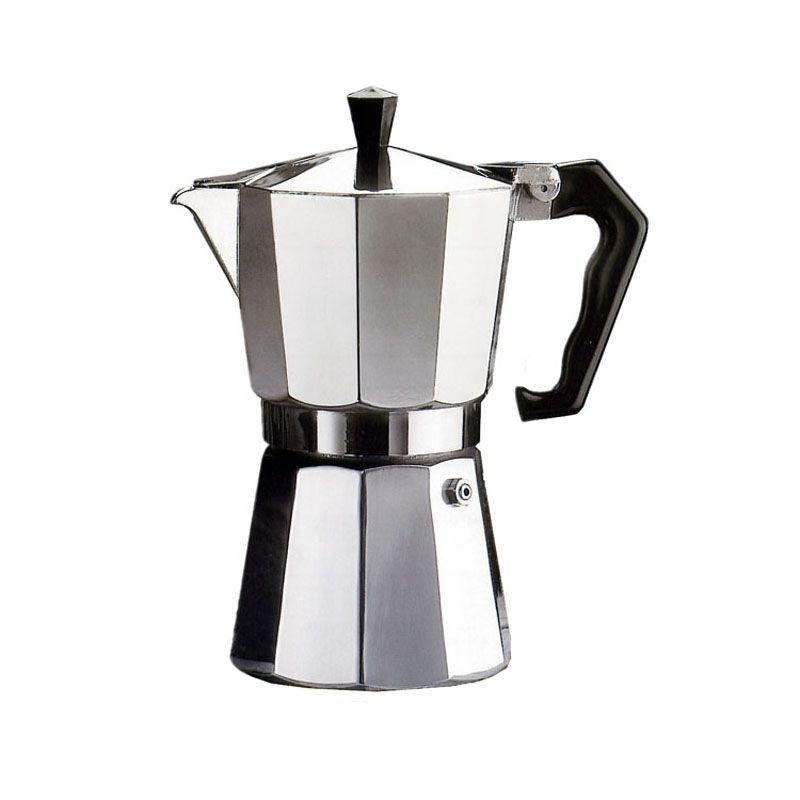Кофеварка гейзерная G.A.T. Pepita, 150 млKTZ-13-001Кофеварка гейзерная G.A.T. Pepita на 3 порции выполнена из алюминия. Изделие состоит из двух частей (для молотого кофе и для воды), соединенных между собой. Внутренняя часть нижней камеры имеет антипригарное покрытие, которое предотвращает образование накипи и плесени. Кофеварка имеет эргономичную термостойкую ручку, которая всегда остается холодной.Принцип работы такой гейзерной кофеварки: кофе заваривается путем прохождения горячей воды или пара через слой молотого кофе. Удобство кофеварки в том, что вся кофейная гуща остается во внутренней емкости.Кофеварка предназначена для приготовления кофе на электрических, газовых и стеклокерамических плитах, кроме индукционных. Нельзя мыть в посудомоечной машине.