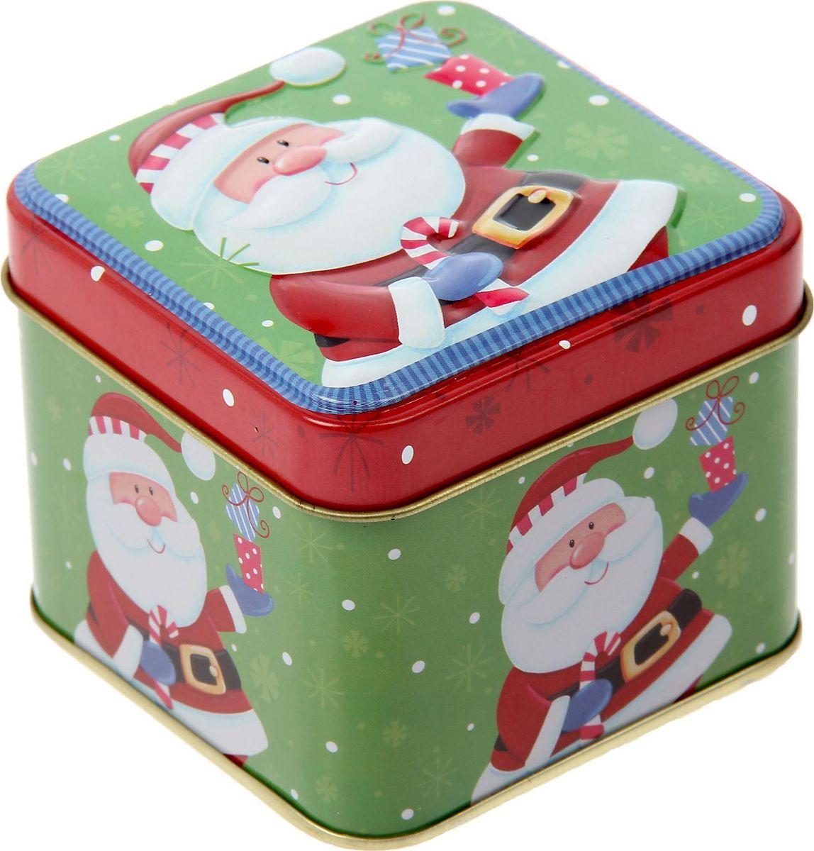 Шкатулка Sima-land Дедушка Мороз с подарками, цвет: оливковый, 6,5 х 7,5 х 7,5 см1387751Шкатулка — это небольшой сувенир, а также оригинальная упаковка подарка. Она дополнит интерьер спальни, гостиной или прихожей. Изделие предназначено для хранения украшений: колец, браслетов, часов, цепочек, колье, сережек и прочих предметов.