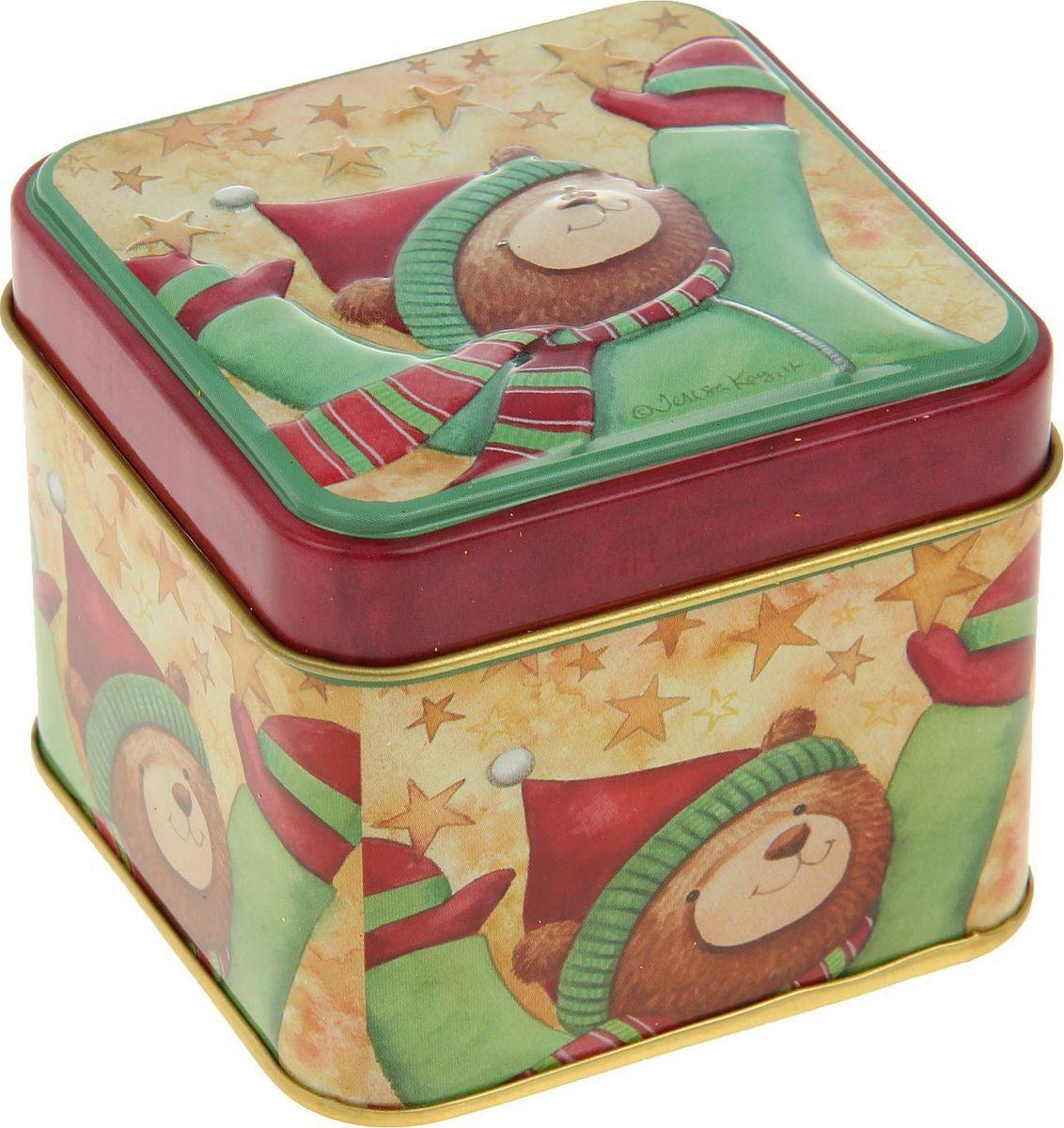 Шкатулка Sima-land Радостный мишка, цвет: красный, 6,5 х 7,5 х 7,5 см2266301Шкатулка — это небольшой сувенир, а также оригинальная упаковка подарка. Она дополнит интерьер спальни, гостиной или прихожей. Изделие предназначено для хранения украшений: колец, браслетов, часов, цепочек, колье, сережек и прочих предметов.