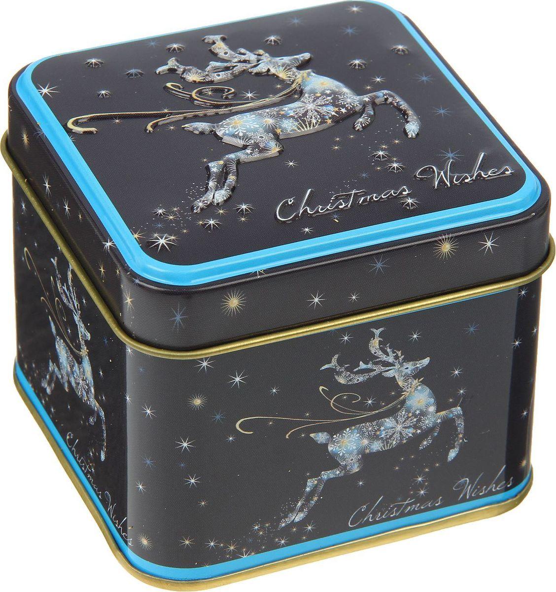 Шкатулка Sima-land Олень на ночном небе, цвет: черный, 6,5 х 7,5 х 7,5 см2266302Шкатулка — это небольшой сувенир, а также оригинальная упаковка подарка. Она дополнит интерьер спальни, гостиной или прихожей. Изделие предназначено для хранения украшений: колец, браслетов, часов, цепочек, колье, сережек и прочих предметов.