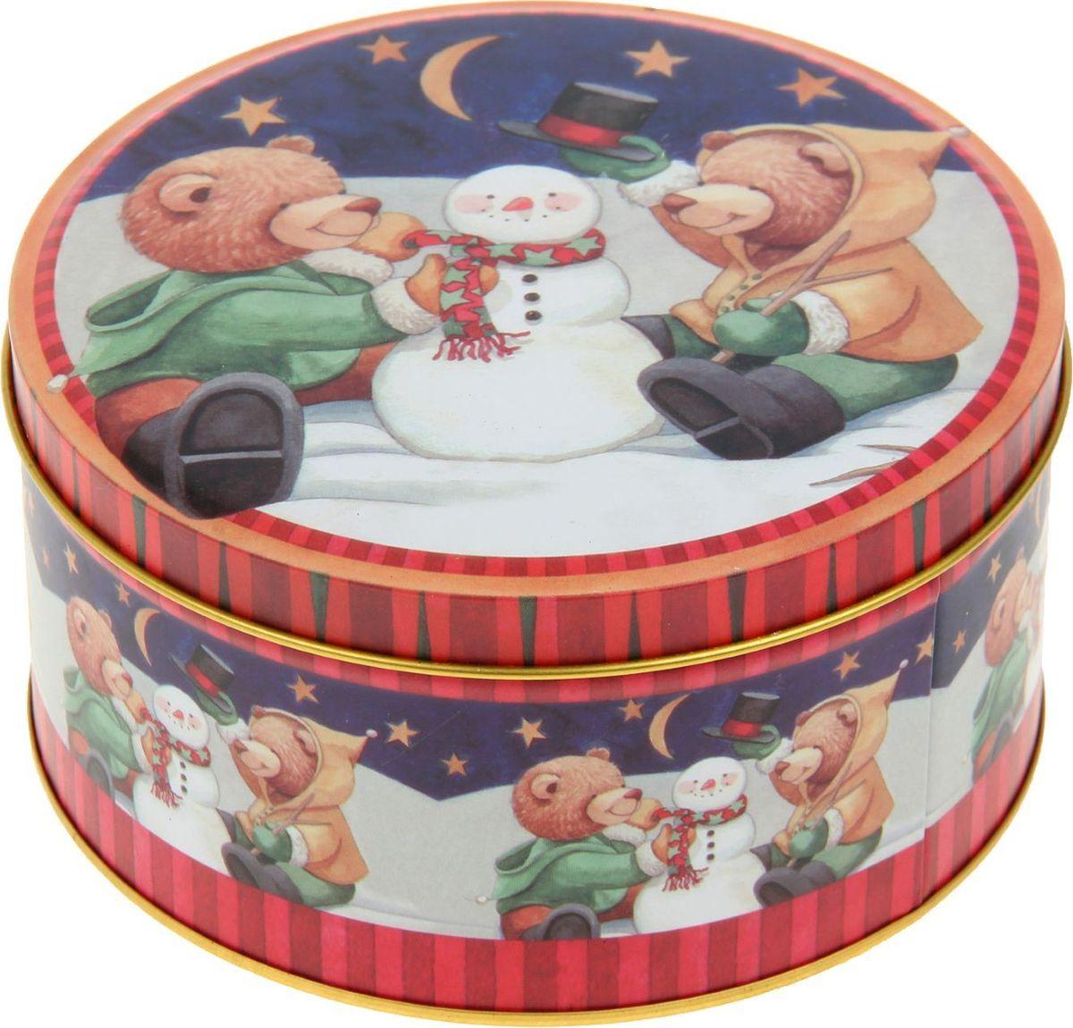 Шкатулка Sima-land Медвежата наряжают елку, цвет: красный, 7 х 13,5 х 13,5 см2266320Шкатулка — это небольшой сувенир, а также оригинальная упаковка подарка. Она дополнит интерьер спальни, гостиной или прихожей. Изделие предназначено для хранения украшений: колец, браслетов, часов, цепочек, колье, сережек и прочих предметов.