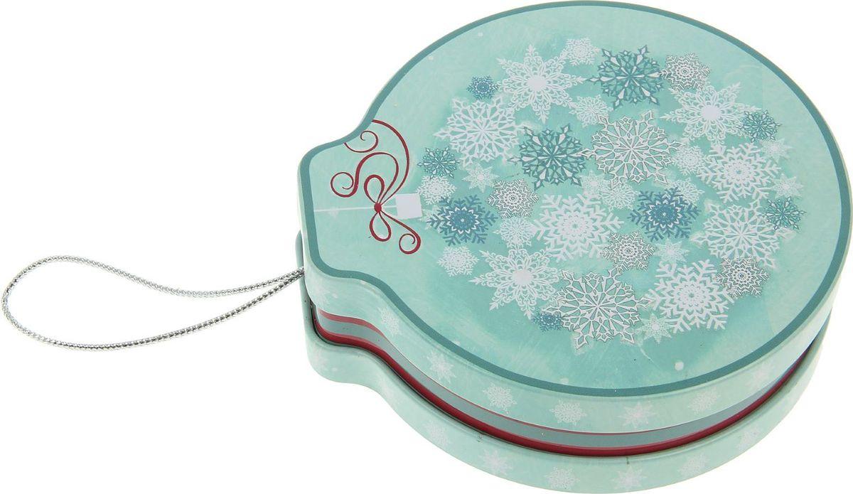 Шкатулка Sima-land Снежинка, цвет: голубой, 4 х 12 х 11 см2266329Шкатулка — это небольшой сувенир, а также оригинальная упаковка подарка. Она дополнит интерьер спальни, гостиной или прихожей. Изделие предназначено для хранения украшений: колец, браслетов, часов, цепочек, колье, сережек и прочих предметов.