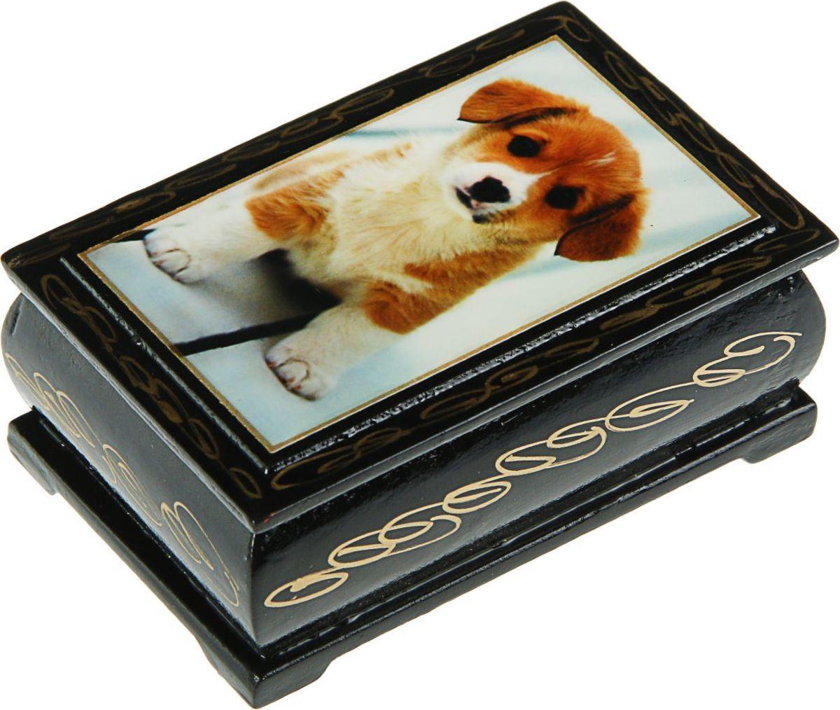 Шкатулка Sima-land Собаки. Лаковая миниатюра, цвет: черный, 6 см х 9 см. 24311492431140Шкатулка — это небольшой сувенир, а также оригинальная упаковка подарка. Она дополнит интерьер спальни, гостиной или прихожей. Изделие предназначено для хранения украшений: колец, браслетов, часов, цепочек, колье, сережек и прочих предметов.