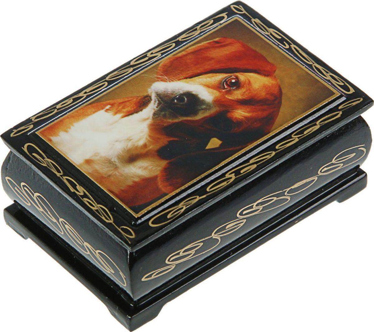 Шкатулка Sima-land Собаки. Лаковая миниатюра, цвет: черный, 6 см х 9 см. 24311472431141Шкатулка — это небольшой сувенир, а также оригинальная упаковка подарка. Она дополнит интерьер спальни, гостиной или прихожей. Изделие предназначено для хранения украшений: колец, браслетов, часов, цепочек, колье, сережек и прочих предметов.