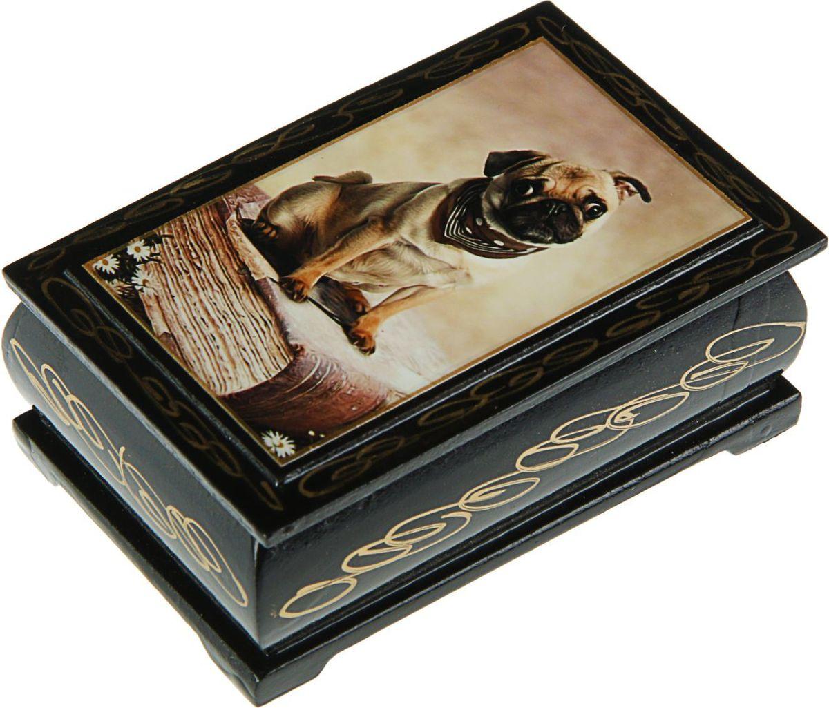Шкатулка Sima-land Собаки. Лаковая миниатюра, цвет: черный, 6 см х 9 см. 24311482431149Шкатулка — это небольшой сувенир, а также оригинальная упаковка подарка. Она дополнит интерьер спальни, гостиной или прихожей. Изделие предназначено для хранения украшений: колец, браслетов, часов, цепочек, колье, сережек и прочих предметов.