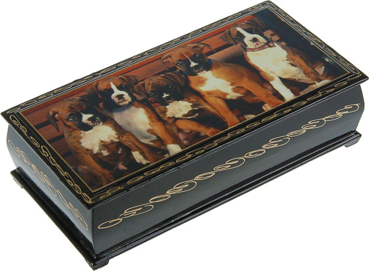 Шкатулка Sima-land Собаки. Лаковая миниатюра, цвет: черный, 11 см х 22 см. 24311342431150Шкатулка — это небольшой сувенир, а также оригинальная упаковка подарка. Она дополнит интерьер спальни, гостиной или прихожей. Изделие предназначено для хранения украшений: колец, браслетов, часов, цепочек, колье, сережек и прочих предметов.