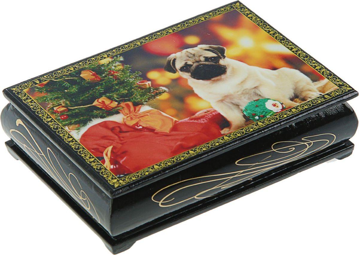 Шкатулка Sima-land Собаки, цвет: черный, 10 см х 14 см. 24542622454276Шкатулка — это небольшой сувенир, а также оригинальная упаковка подарка. Она дополнит интерьер спальни, гостиной или прихожей. Изделие предназначено для хранения украшений: колец, браслетов, часов, цепочек, колье, сережек и прочих предметов.