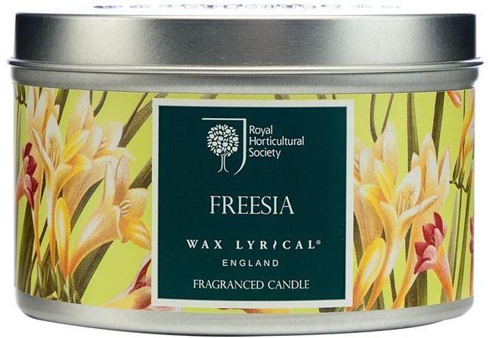 Свеча ароматическая Wax Lyrical Цветущая фрезияRH5012Свеча ароматическая Wax Lyrical Цветущая фрезия в алюминиевой баночке наполнит ваш дом приятным ароматом. Цветочный аромат сочетает в себе ноты фрезии, гардении и орхидеи.Wax Lyrical - легендарный производитель ароматов для дома. В производстве свечей используются только натуральные ингредиенты, такие как пищевой парафин и соевый воск. Европейские мастера парфюмерии предоставляют свои лучшие ароматы для использования в спреях для дома, а также в ароматических маслах.Время горения: 25 часов.