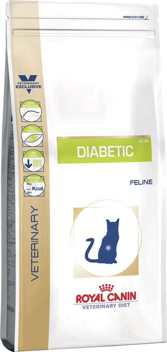 Корм сухой Royal Canin Vet Diabetic feline DS46, для кошек при сахарном диабете, 1,5 кг23560Сухой корм супер премиум класса для кошек при сахарном диабете. Умеренная энергоемкость диетического корма способствует достижению оптимального веса, что, в свою очередь, снижает резистентность к инсулину, связанную с избыточным весом. Формула, обогащенная злаками с низким содержанием сахаров (ячмень, кукуруза) и волокнами так называемого растительного клея, входящими в состав семян подорожника, позволяет уменьшить гипергликемию после снижения веса. Повышенное содержание белков снижает уровень чистой энергии и обеспечивает медленное и постепенное повышение содержания глюкозы в крови (неогликогенез). Хондропротекторы (глюкозамин и хондроитина сульфат) поддерживают подвижность суставов у кошек, страдающих диабетом, который часто ассоциируется с пожилым возрастом и/или избыточным весом. При назначении этого корма у кошек значительно повышается чувствительность к инсулину. В начале применения диеты рекомендуется контролировать уровень гликемии для уточнения дозы инсулина.Показания: сахарный диабет, поддержание веса в пределах нормы после похудения. Противопоказания: беременность, лактация, рост. Ингредиенты: дегидратированные белки животного происхождения (птица), ячмень, пшеничная клейковина, кукурузная клейковина, тапиока, изолят белка сои, животные жиры, гидролизат белков животного происхождения, растительная клетчатка, экстракт цикория, рыбий жир, оболочка и семена подорожника, минеральные вещества, фруктоолигосахариды, соевое масло, экстракт бархатцев прямостоячих (источник лютеина). Состав: протеины - 46%, жиры - 12%, углеводы - 18,8%, клетчатка - 11,5%, глюкозамин/хондроитин - 500 мг, Epa/Dha - 0,3%, кальций - 0,92%, фосфор - 0,89%, натрий - 0,4%, магний - 0,07%, калий - 0,9%, селен - 0,29 мг, медь - 15 мг, железо - 184 мг, цинк - 139 мг, витамин A - 27000 Ме, витамин D3 - 1000 Ме, витамин E - 500 мг, витамин C - 300 мг, витамин B1 - 16,9 мг, витамин B2 - 61 мг, витамин B6