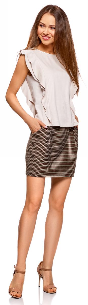 Юбка oodji Ultra, цвет: бежевый, темно-коричневый. 11605056-2B/22124/3339C. Размер 40 (46-170)11605056-2B/22124/3339CПрямая короткая юбка oodji с широким поясом. По бокам два отрезных кармана, сзади застежка-молния. Благодаря вытачкам спереди и сзади юбка плотно облегает бедра. Широкий пояс без шлевок для ремня подчеркивает линию талии. Короткая юбка привлекает внимание к ногам, эффект усиливается с обувью на высоком каблуке. Стильная юбка с карманами подойдет для создания женственных и соблазнительных образов. С этой юбкой вы сможете легко создать интересный и стильный наряд для разных случаев. В ней можно пойти на свидание, вечеринку, в кино или кафе с друзьями. Юбка красиво смотрится с блузками, топами, тонкими трикотажными изделиями и джемперами. При выборе обуви рекомендуем остановиться на туфлях на каблуке или ботильонах. Красивая юбка для женственных особ!