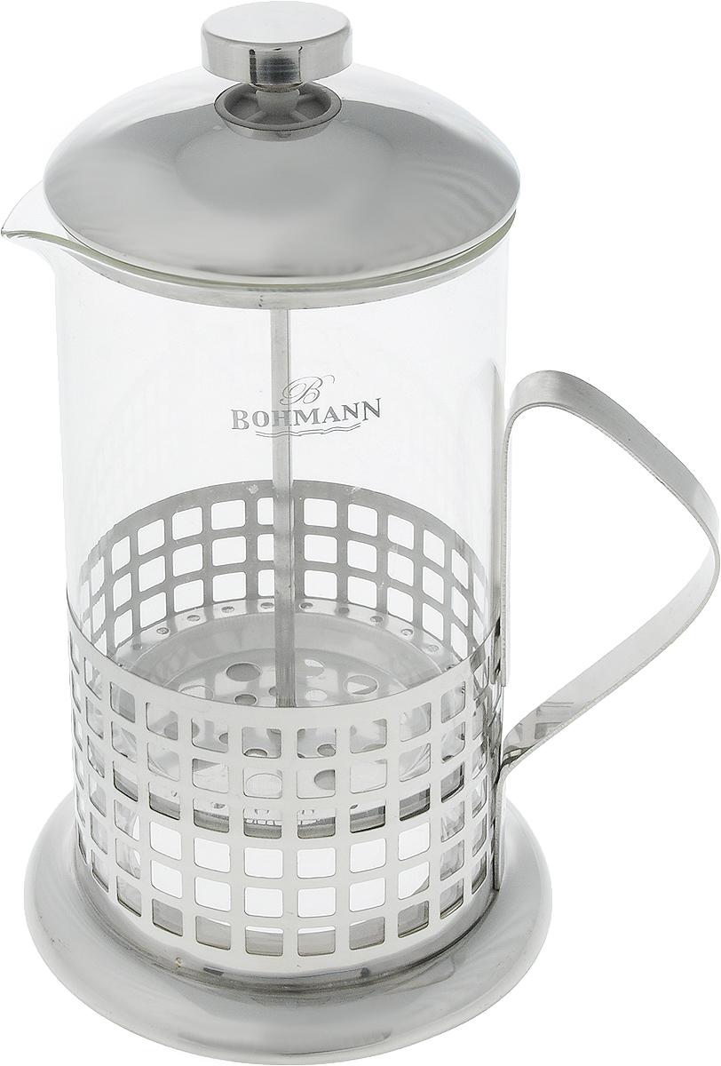 Френч-пресс Bohmann Клетка, 1 л9510BH_клеткаФренч-пресс Bohmann Клетка станет прекрасным выбором для повседневного использования, встречи гостей или небольших вечеринок. Колба, изготовленная их закаленного стекла, сохранит свежесть и аромат напитка. А конструкция френч-пресса, встроенного в крышку, прекрасно отфильтрует чай и кофе от заварочной гущи. Удобная ручка обеспечит надежную фиксацию в руке. Утолщенный ободок колбы повышает прочность и продлевает срок службы изделия. Насыпьте чай или кофе в стеклянную колбу, добавьте горячей воды и закройте стакан пресс-фильтром. Подождите 3-5 минут, затем медленно опустите пресс-фильтр до упора. Приятного чаепития!Френч-пресс Bohmann Клетка позволит быстро и просто приготовить чай или свежий и ароматный кофе. Объем: 1 л.Диаметр (по верхнему краю): 9,5 см. Высота стенки (с учетом крышки): 24 см.