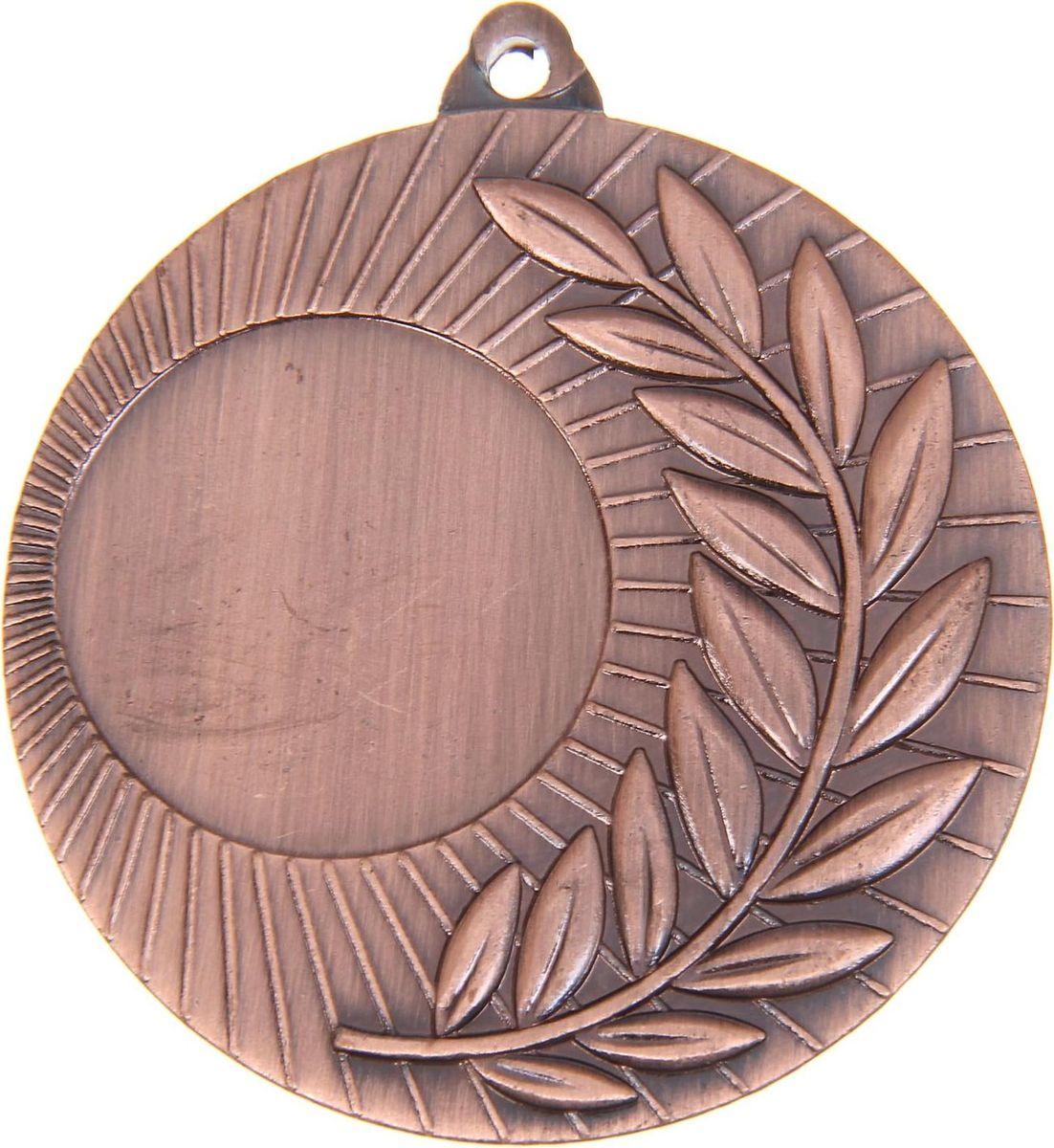 Медаль сувенирная с местом для гравировки, цвет: бронзовый, диаметр 5 см. 0211108678Пусть любая победа будет отмечена соответствующей наградой! Медаль — знак отличия, которым награждают самых достойных. Она вручается лишь тем, кто проявил настойчивость и волю к победе. Каждое достижение — это важное событие, которое должно остаться в памяти на долгие годы. Медаль под нанесение 021, d=5, бронза изготовлена из металла, в комплект входит лента цвета триколор, являющегося одним из государственных символов России. Характеристики: Диаметр медали: 5 см Диаметр вкладыша (лицо): 2,5 см Диаметр вкладыша (оборот): 4,5 см Ширина ленты: 2,5 см.