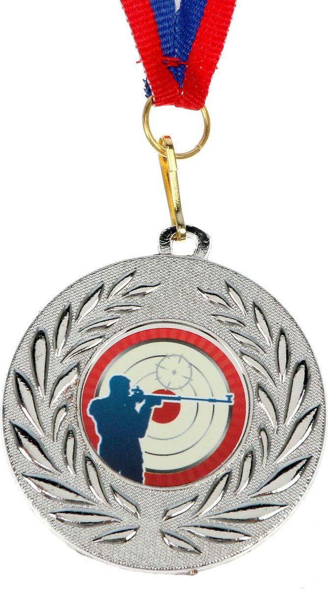 Медаль сувенирная Стрельба, цвет: серебристый, диаметр 5 см. 0741491104Медаль — знак отличия, которым награждают самых достойных. Она вручается лишь тем, кто проявил настойчивость и волю к победе. Каждое достижение — это важное событие, которое должно остаться в памяти на долгие годы. Медаль тематическая 074 Стрельба, сер, d=5 см изготовлена из металла, в комплект входит лента цвета триколор, являющегося одним из государственных символов России.Характеристики: Диаметр медали: 5 см Диаметр вкладыша (оборот): 4,5 см Ширина ленты: 1,5 см.