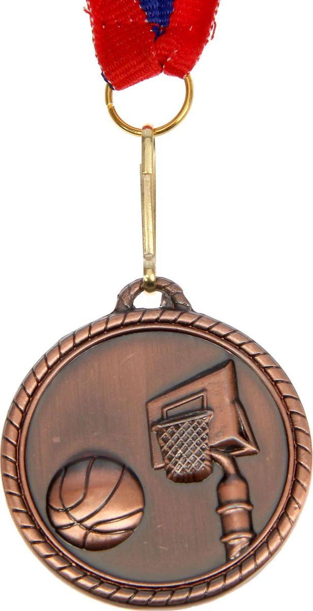 Медаль сувенирная Баскетбол, цвет: бронзовый, диаметр 4 см. 012507600Медаль — знак отличия, которым награждают самых достойных. Она вручается лишь тем, кто проявил настойчивость и волю к победе. Каждое достижение — это важное событие, которое должно остаться в памяти на долгие годы. Медаль тематическая Баскетбол d=4 см, цвет бронза изготовлена из металла, в комплект входит лента цвета триколор, являющегося одним из государственных символов России.Характеристики:Диаметр медали: 4 см Диаметр вкладыша (оборот): 3,5 см Ширина ленты: 2,5 см.