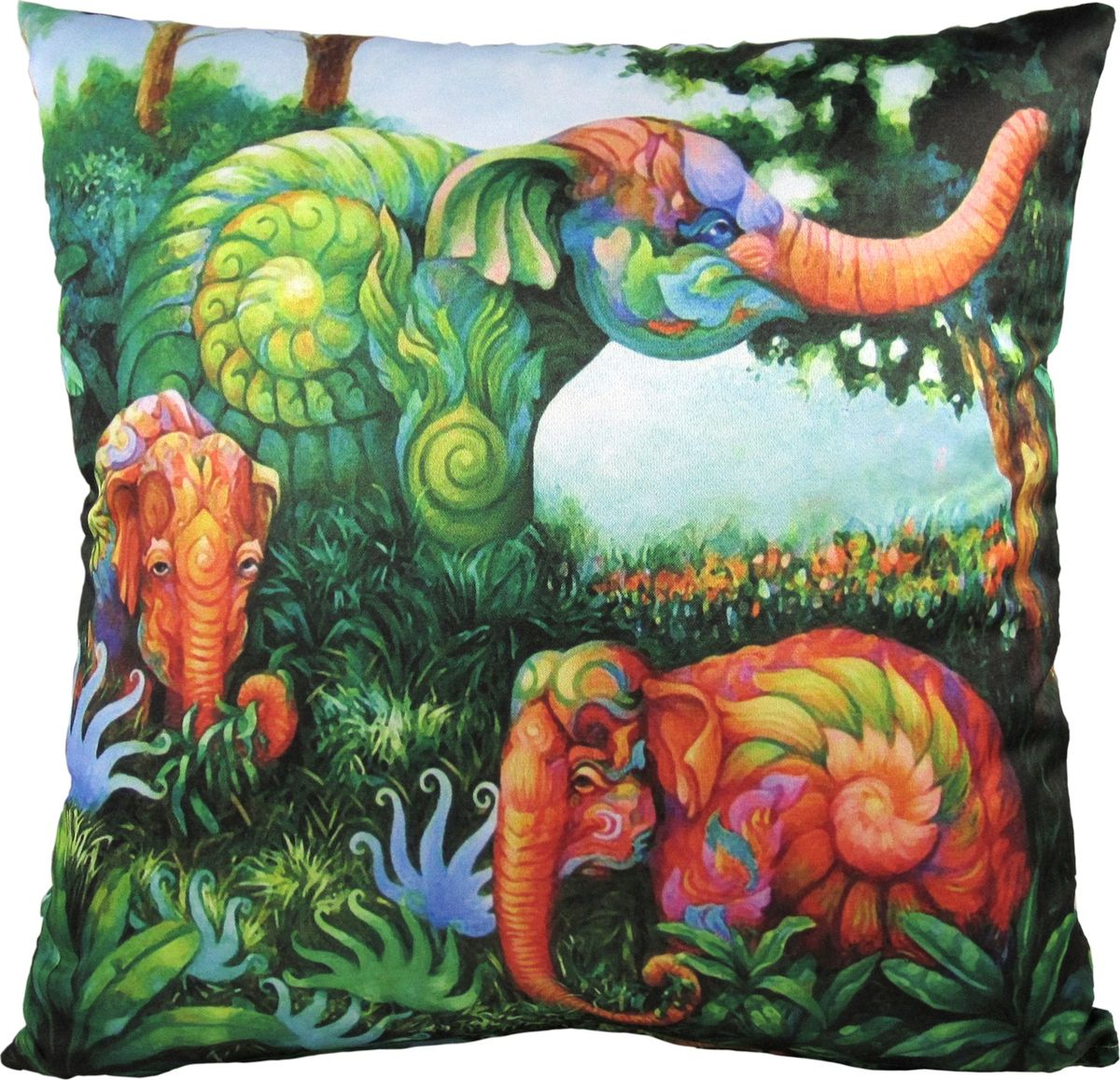Подушка декоративная GiftnHome Волшебные джунгли, 35 х 35 смPLW-35 JungleДекоративная подушка GiftnHome Волшебные джунгли прекрасно дополнит интерьер спальни или гостиной. Чехол подушки выполнен из атласа (искусственный шелк) и оформлен изысканным орнаментом. В качестве наполнителя используется мягкий холлофайбер. Чехол снабжен потайной застежкой-молнией, благодаря чему его легко можно снять и постирать. Красивая подушка создаст атмосферу уюта в доме и станет прекрасным элементом декора.