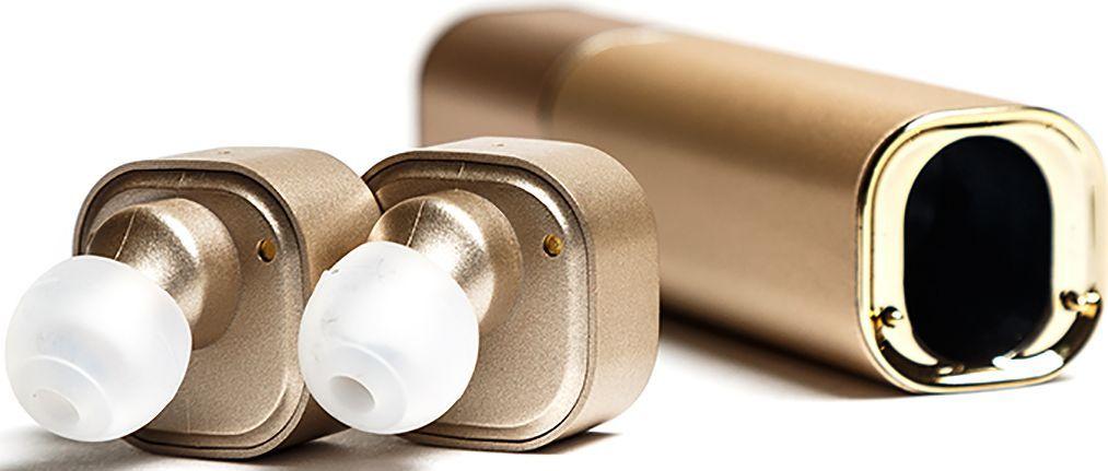 Mettle TWS-S1, Tyrant Gold беспроводные наушникиTWS-S1 Tyrant GoldНаушники без проводов теперь возможны! Mettle TWS-S1 позволят вам легко и быстро синхронизировать смартфоны, планшеты и другие музыкальные устройства. Bluetooth с усовершенствованной технологией аудиодекодирования обеспечивает беспроводное подключение к вашему смартфону и к другим Bluetooth устройствам. Сверхмалые стереофонические беспроводные наушники с высоким качеством звука. Гладкая и инновационная портативная система зарядки. 2 в 1 Bluetooth-гарнитура и зарядное устройство. Высокое качество, современный дизайн и красочные цвета. Специальная технология уменьшает внешние шумы, что позволяет четко слышать звук микрофона.