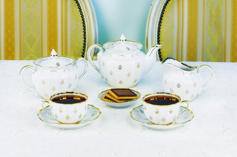 Сервиз чайный Фарфор Вербилок Королевский. 2057000П2057000ПЧайные сервизы – это эксклюзивные наборы чашек и блюдечек. Все они отличаются совершенным качеством и неповторимостью. Каждый чайный сервиз из фарфора способен привнести в дом настроение праздничного застолья. Такие наборы подарят вам теплые ощущения от общения с близкими.
