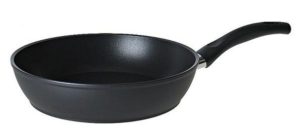 Сковорода Ballarini Positano, глубокая, с антипригарным покрытием. Диаметр 28 смPS1C0.28Сковорода кованная Ballarini Positano выполнена из алюминия c антипригарным покрытием. Пригодна для любых типов плит, включая индукционные. Можно использовать в духовке до 160 °С. Толщина дна и высота бортов сковороды оптимальны для различных способов приготовления. Диаметр сковороды: 28 см.
