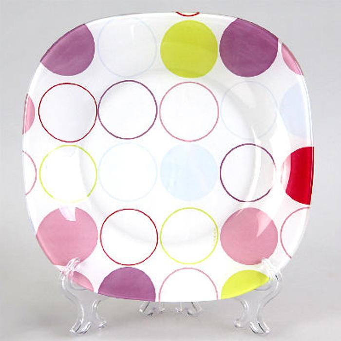 """Тарелка десертная Luminarc """"Зум Уайт"""" выполнена из экологически чистого, ударопрочного стекла, устойчива к резким перепадам температуры. Рисунок надежно защищен, именно поэтому тарелку можно использовать в посудомоечной машине.  Тарелка предназначена для подачи десерта. Пирожные, кексы и другие ваши любимые лакомства будут смотреться на ней очень аппетитно."""