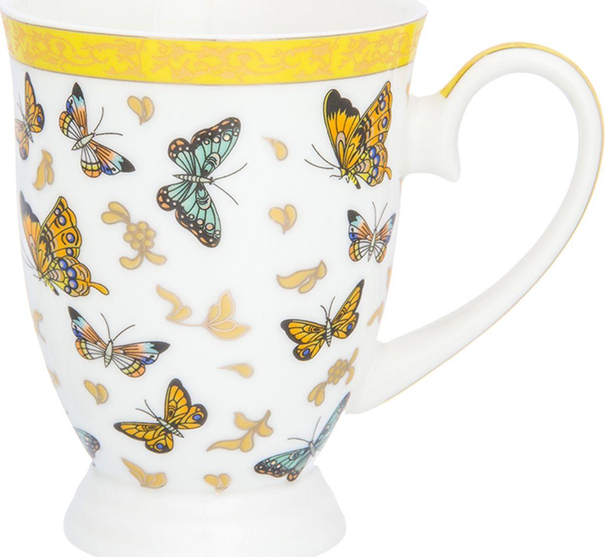 Кружка Elan Gallery Бабочки, на ножке, 300 мл. 181049181049Кружка в подарочной упаковке станет прекрасным подарком и послужит верой и правдой в повседневной жизни. Изделие имеет подарочную упаковку, поэтому станет желанным подарком для Ваших близких!