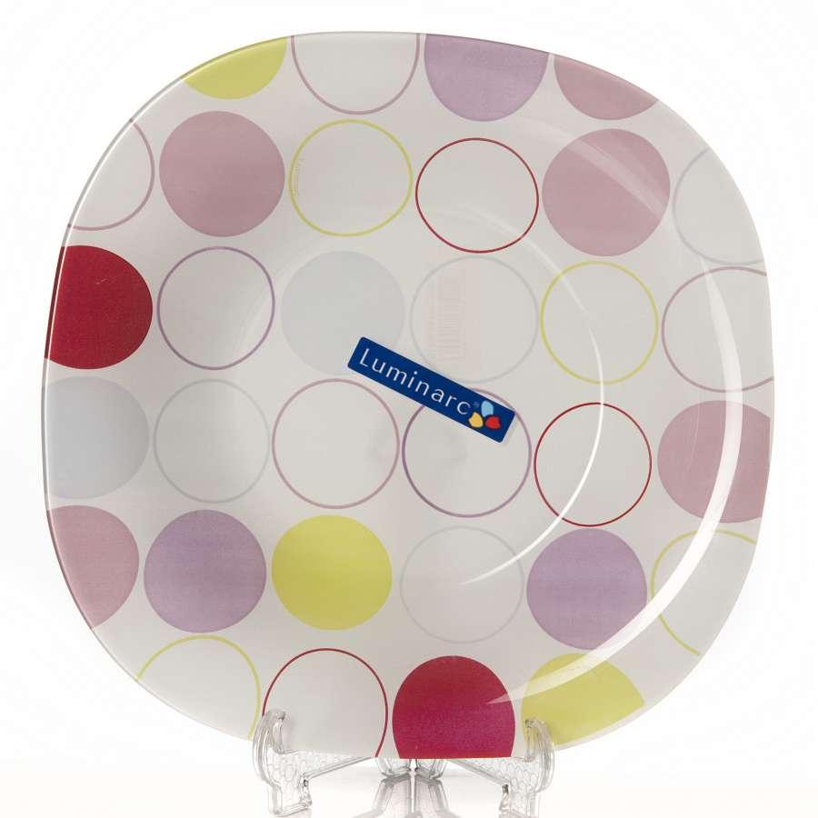 """Тарелка суповая цветная из серии Luminarc Carine """"Zoom White"""". Материал: ударопрочное, закаленное стекло, способное выдерживать значительные перепады температуры.  Пригодна для использования в посудомоечной машине и СВЧ. Тарелка предназначена для подачи первых блюд, вмещает 450 мл жидкости (до самого края). Комфортно в тарелку помещается 3 половника супа (тогда она не будет заполнена до самого края). Яркая и оригинальная тарелка подойдет как для семейного обеда, так и для посиделок с гостями."""