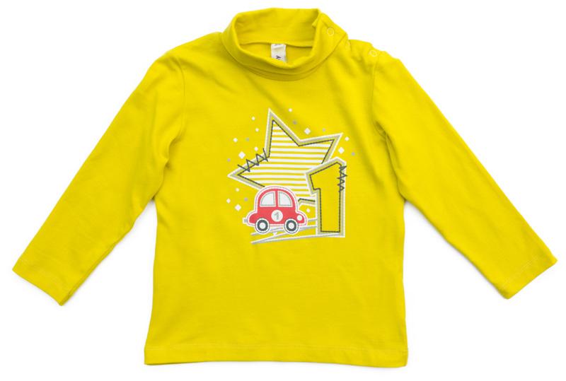 Водолазка для мальчика PlayToday, цвет: желтый. 377067. Размер 86377067Водолазка PlayToday выполнена из эластичного хлопка. Модель с длинными рукавами и воротником-гольф имеет свободный крой, который не сковывает движений. Модель декорирована принтом. Для удобства снимания и одевания на горловине изделия расположены удобные застежки-кнопки.