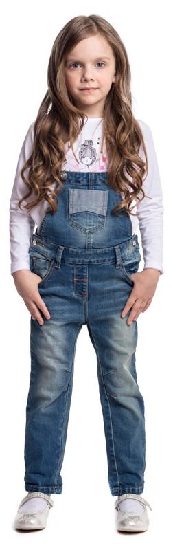 Полукомбинезон для девочки PlayToday, цвет: синий. 372062. Размер 128372062Полукомбинезон PlayToday из джинсовой ткани будет незаменимым в любом гардеробе. Хорошо сочетается с водолазками и футболками. Пуговицы-болты являются удачным стильным и практичным дополнением. Мягкая ткань приятна к телу и не сковывает движения ребенка. Полукомбинезон с высокой грудкой и широкими лямками.