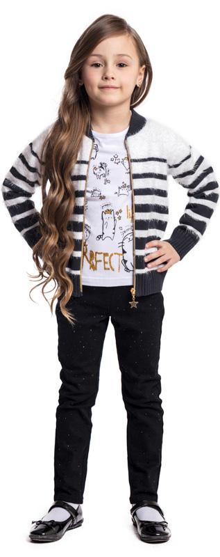 Кофта для девочки PlayToday, цвет: белый, черный. 372010. Размер 116372010Кофта PlayToday из трикотажа - отличное решение для повседневного гардероба. Модель выполнена в технике Yarn Dyed - в процессе производства используются разного цвета нити. Изделие, при рекомендуемом уходе, не линяет и надолго остается в первоначальном виде. Модель на молнии. Одна из нитей пряжи с эффектом пуха.