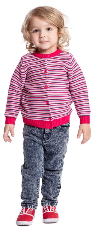 Кардиган для девочки PlayToday, цвет: розовый, белый. 378009. Размер 92378009Кардиган на пуговицах PlayToday - отличное дополнение к повседневному гардеробу ребенка. Горловина, манжеты и низ изделия на мягких резинках. Модель выполнена в технике Yarn Dyed - в процессе производства используются разного цвета нити. При рекомендуемом уходе изделие не линяет и надолго остается в первоначальном виде.