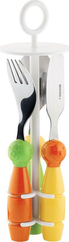 Набор детских столовых приборов Guzzini Billo, цвет: оранжевый, зеленый, 4 предмета7500052Набор столовых приборов Guzzini Billo состоит из небольших ложки, ножа и вилки, закрепленных на специальной устойчивой подставке. Все три предмета хранятся на ней вертикально, что экономит место в шкафу и очень удобно при транспортировке. Острие ножа и зубцы вилки имеют закругленную форму в соответствии со стандартами безопасности.Привнесенный элемент игры создаст веселую атмосферу за столом, а значит каждый прием пищи пройдет легко и доставит удовольствием как детям, так и их родителям. Набор изготовлен из пищевых материалов без содержания вредных примесей и бисфенола-А. Для детей от 3 до 7 лет. Можно мыть в посудомоечной машине. Продается в подарочной упаковке.