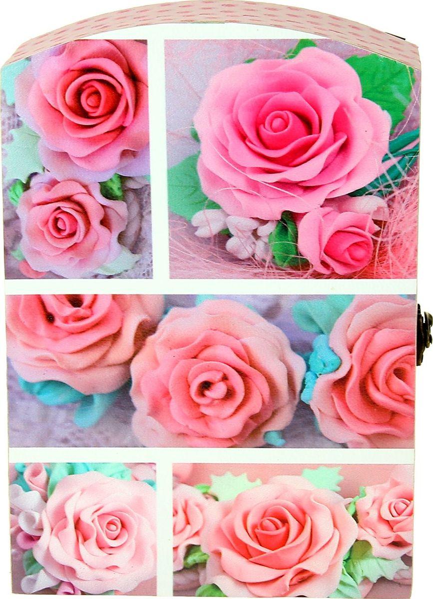 Ключница настенная Розовые розы, 29 х 20 х 7,5 см1029199Ключница Розовые розы станет отличным украшением прихожей или вашего дачного домика, с ней все ключи будут на своем месте: от квартиры, от машины, от бани, от сарая… С помощью такого аксессуара вы избавитесь от проблемы с их поиском, теперь, когда кто-то из Ваших близких спросит: А где ключ от..?, вы можете сразу ответить: На месте!.