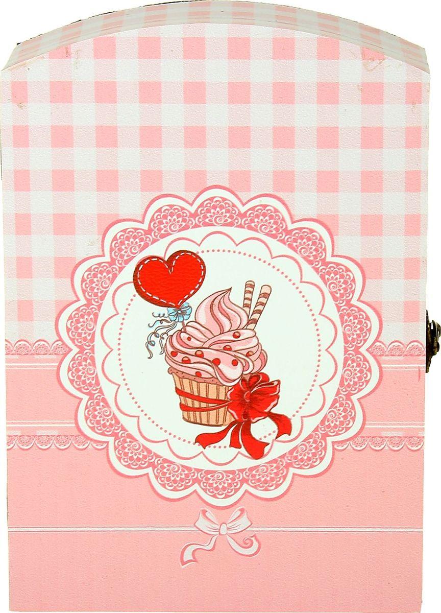 Ключница настенная Пирожное с любовью, 29 х 20 х 7,5 см1029214Замечательная ключница Пирожное с любовью станет оригинальным подарком вашей второй половинке, особенно если вы решились на ответственный шаг. Романтический вечер, только Вы, она и этот волшебный ларец, она открывает его, а там… ключ от вашей квартиры и два обручальных кольца — будьте уверены, ваша дама не устоит. Преподнесите эту ключницу вместе с ключом от вашего сердца!