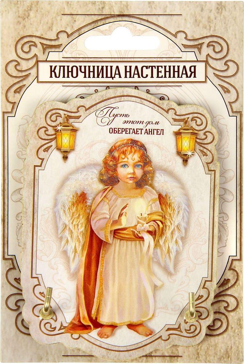 """Ключница с ангелом """"Пусть ваш дом оберегает ангел"""" — оригинальный функциональный аксессуар и надёжный оберег для вашего дома. С ней вы больше не будете опаздывать на встречи и работу, ведь она поможет сберечь драгоценные утренние минуты, которые вы тратили на поиски ключей. Изделие с чудесным ангелочком и душевной надписью дополнит интерьер и станет талисманом, приносящим позитивную энергию.  Деревянная ключница легко монтируется к стене благодаря двусторонней клейкой ленте, которая входит в набор.  Украсьте свой дом красивыми и функциональными мелочами!"""