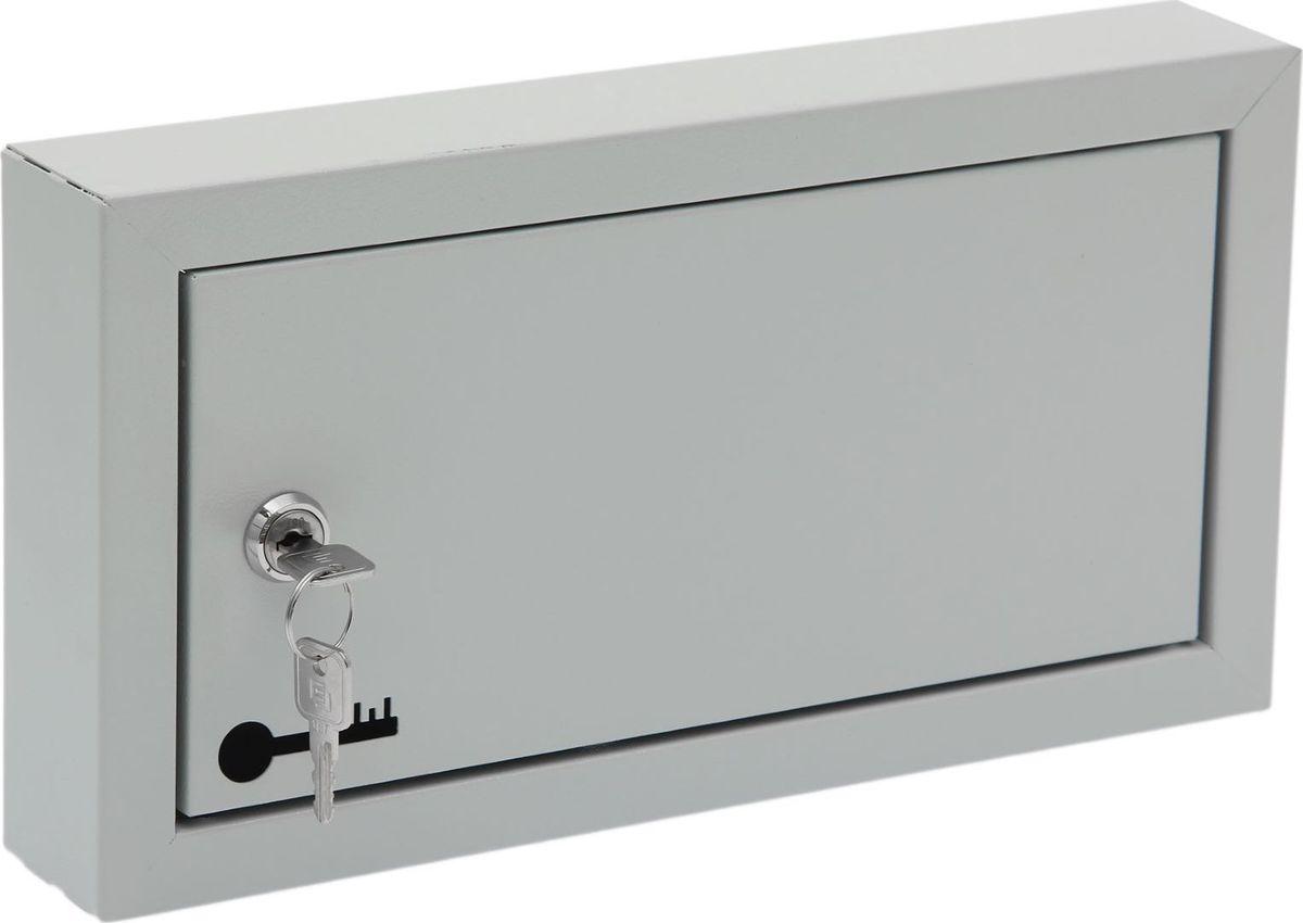 Ключница настенная ОТК, 17,5 х 33 х 5 см. 17238381723838Изделие предназначено для удобного и безопасного хранения большого количества ключей. Корпус и дверца выполнены из металла и закрываются на замок. Внутри имеются стальные крючки, которые, в отличие от пластмассовых, не подвержены деформации. Преимущества:- прочная стальная конструкция - предусмотрено крепление к стене - встроенный замок с ключом входит в комплект - порошковое полимерное покрытие - оптимальное соотношение цены и качества.