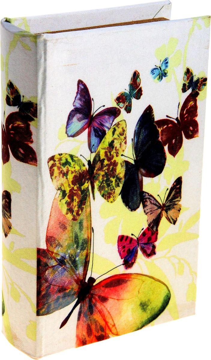 Ключница-книга настенная Порхание бабочек, 21 х 13 х 5 см184698Вы когда-нибудь видели висящую на стене книгу? Теперь вы можете повесить ее в собственной прихожей, и это будет не эксцентричной выходкой, а простым и удобным решением, ведь за обложкой, так похожей на книжную, скрывается… ключница! Стильная и оригинальная, она станет настоящим украшением вашего дома и значительно облегчит поиск ключей по утрам: пройти мимо такой ключницы почти невозможно, а значит, вы вряд ли будете впредь оставлять связку ключей на комоде, кухонной полке или журнальном столике. Украсьте интерьер своего дома полезным и элегантным аксессуаром!