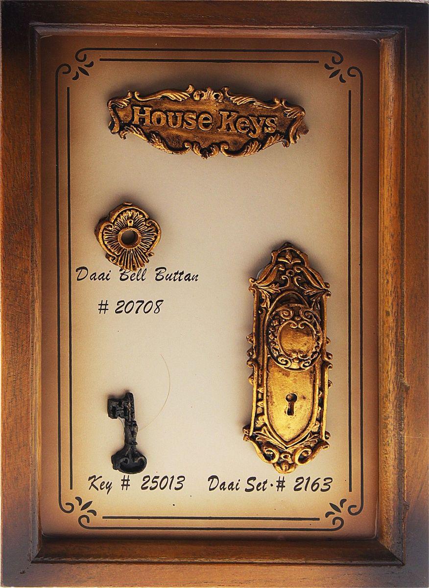 Ключница настенная Ключи от дома, 30 х 20 х 6,5 см458386Если вы любите сочетание элегантности и удобства, такая ключница вряд ли останется без вашего внимания. Она поможет выработать полезную привычку не оставлять ключи ни на кухонном столе, ни на этажерке, ни у зеркала, а вешать их на специально предназначенные для этого крючки. Она не только сэкономит ваше время, но и украсит собой прихожую. Такая ключница как нельзя лучше подойдет для тех, кто ценит тепло домашнего очага и старается сделать свой дом таким уютным, чтобы его не хотелось покидать даже на короткий срок. Оригинальный и практичный подарок.