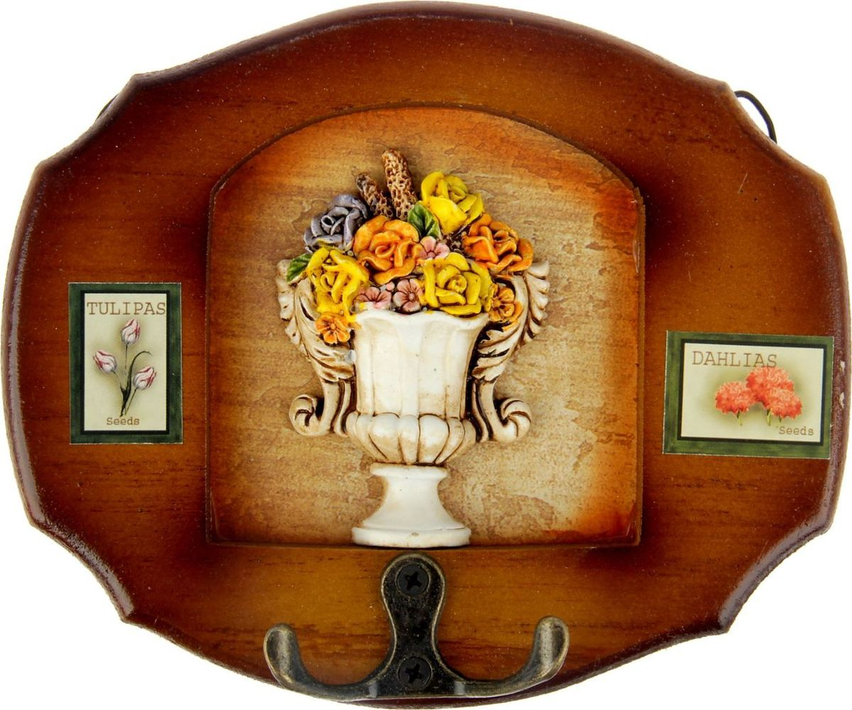 Ключница настенная Цветы в изящной вазе, 19 х 16 х 3,5 см547909Истинные хозяйки и хранительницы домашнего очага не понаслышке знают, что для того, чтобы дом стал по-настоящему уютным, важно не упускать из виду ни единой мелочи. Такие небольшие детали, как декоративные крючки, с успехом могут стать не только полезным предметом, но и изящным украшением интерьера. Небольшое панно с закрепленными на нем крючками, кажется, буквально проникнуто домашним теплом и уютом. Оно станет замечательным аксессуаром для дома, который не хочется покидать.