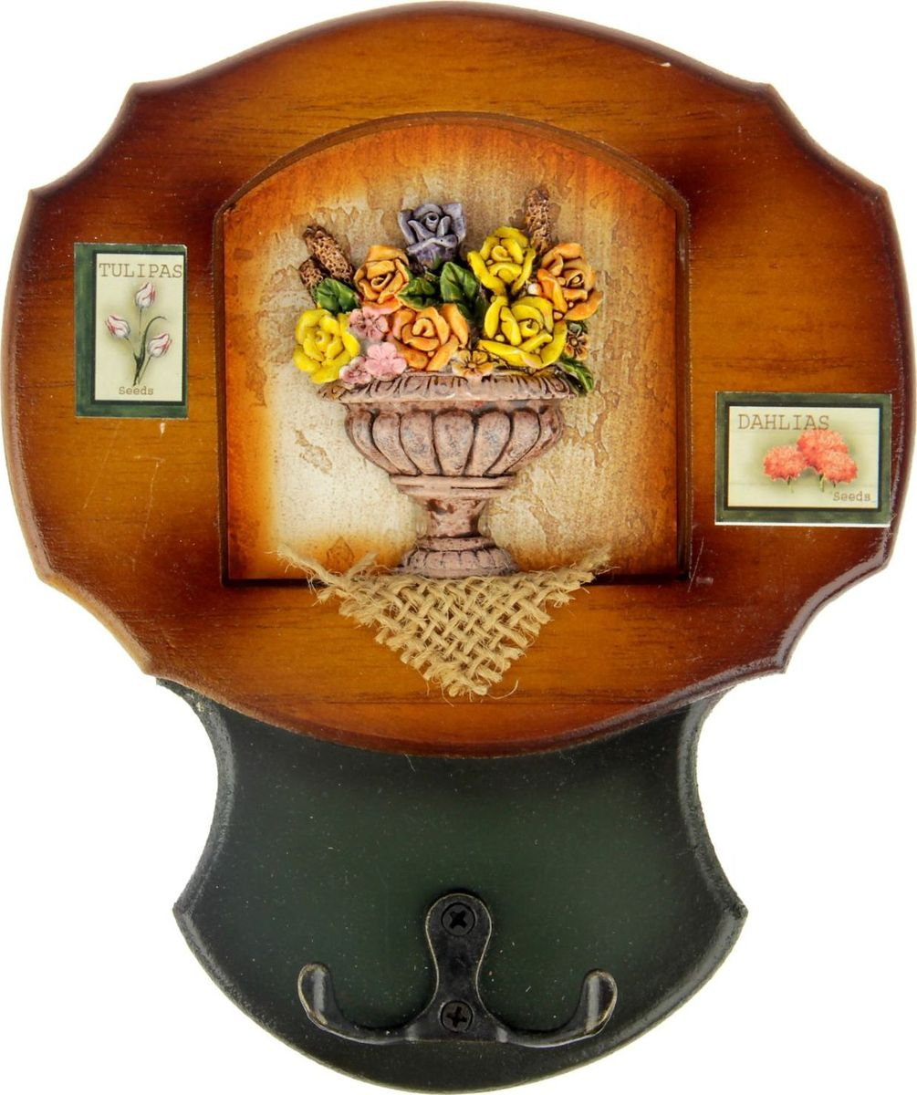 Ключница настенная Цветочная клумба, 19 х 16 х 3,5 см547910Истинные хозяйки и хранительницы домашнего очага не понаслышке знают, что для того, чтобы дом стал по-настоящему уютным, важно не упускать из виду ни единой мелочи. Такие небольшие детали, как декоративные крючки, с успехом могут стать не только полезным предметом, но и изящным украшением интерьера. Небольшое панно с закрепленными на нем крючками, кажется, буквально проникнуто домашним теплом и уютом. Оно станет замечательным аксессуаром для дома, который не хочется покидать.