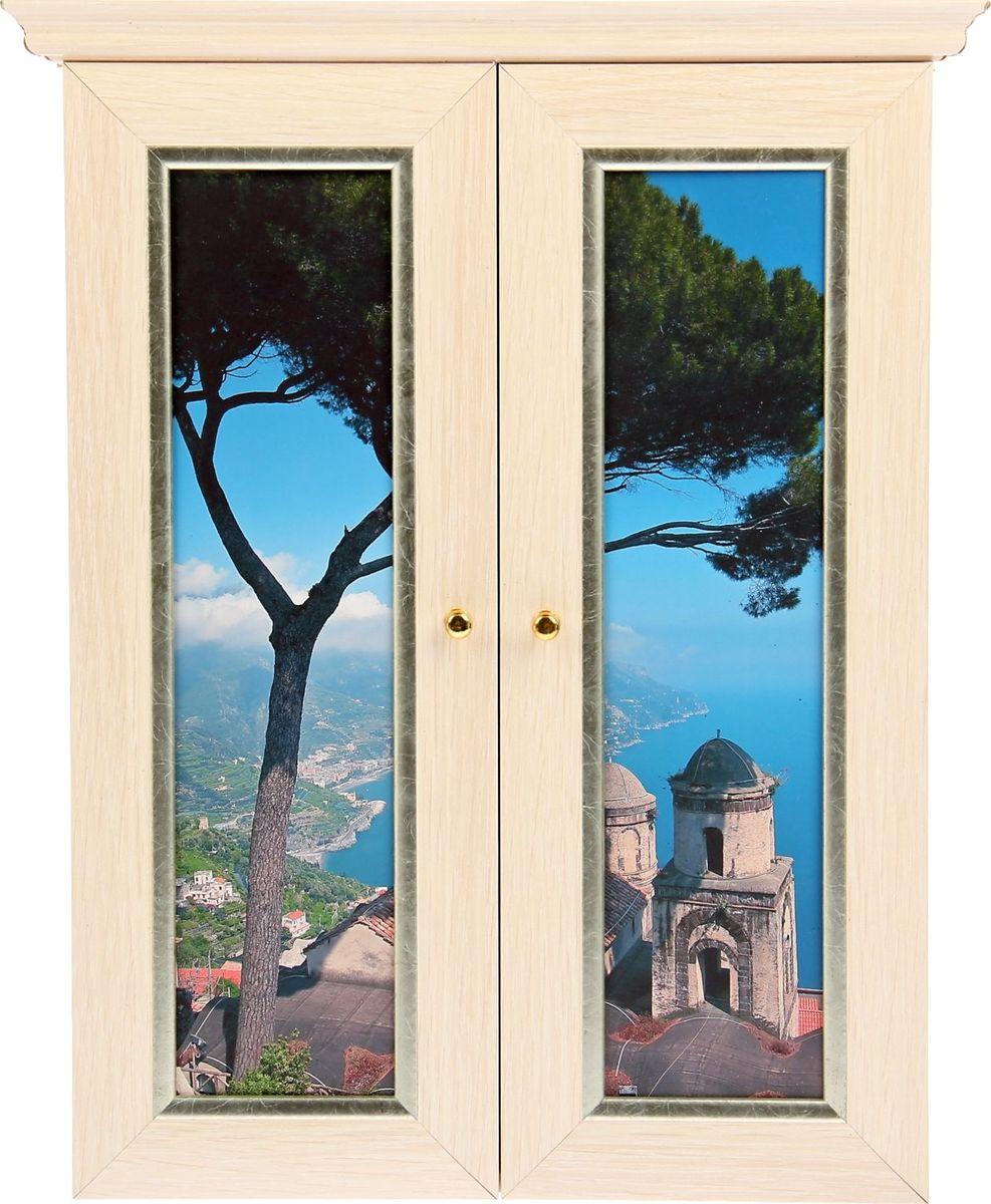 Ключница настенная АГТ-Профиль Вид на Грецию из окна, 40 х 30 х 6 см559466Если вы отдаете предпочтение классической элегантности – ненавязчивой и вместе с тем очень стильной, эта изысканная ключница от российского поставщика наверняка придется вам по душе. Она не только украсит стену прихожей, но и сэкономит ваше время: вешая ключи на ее крючочки, вы всегда будете помнить, где их оставили, и больше не придется искать их в утренней спешке по всему дому. Приобретая такую вещицу, вы делаете выбор в пользу красоты и функциональности.