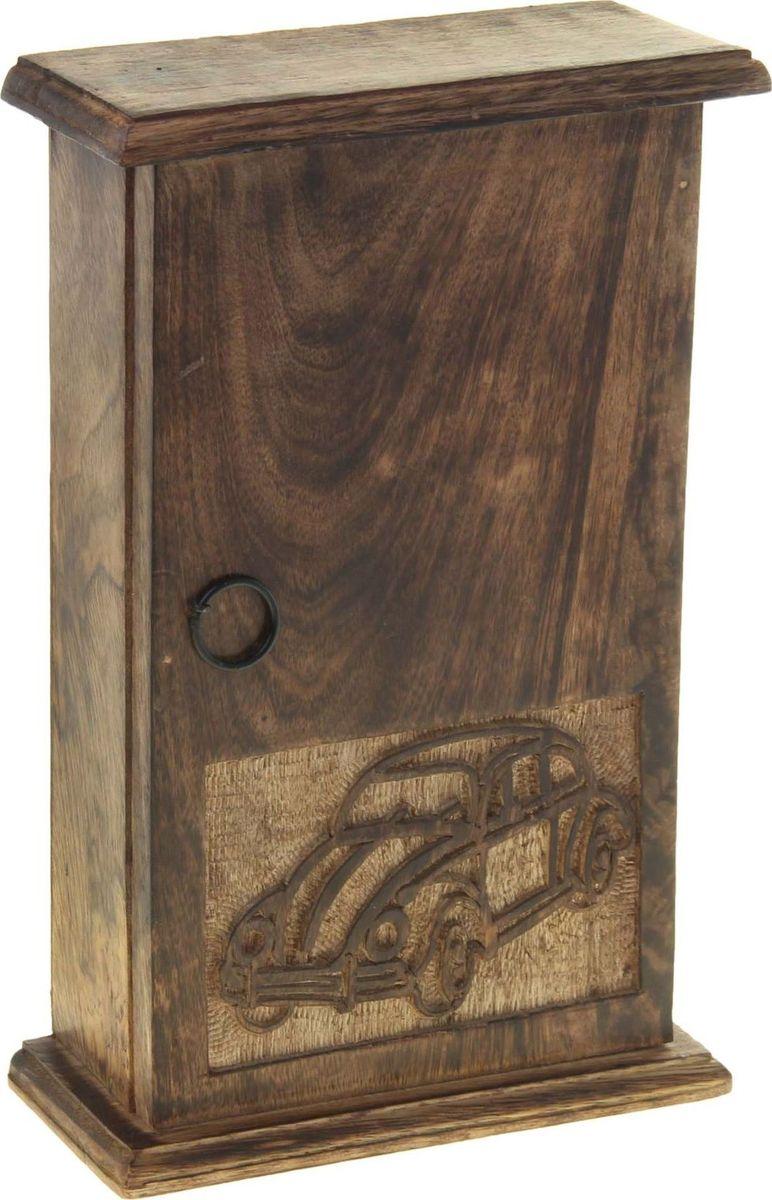 Ключница настенная Автомобиль, 28 х 18 х 7,5 см806628Великолепная Ключница Автомобиль, выполненная вручную индийскими мастерами-ремесленниками из натурального дерева. Такие экзотические аксессуары особо ценятся истинными почитателями азиатской культуры. Представьте, как великолепно будут сочетаться эти прекрасные резные детали вместе с любым гарнитуром в вашей прихожей. Удобная вещица станет отличной помощницей, ведь теперь вы будете знать, где лежат ваши ключи, и их не придётся долго искать перед выходом.