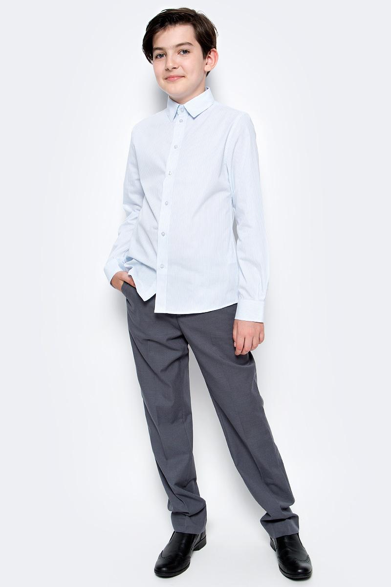 Рубашка для мальчика Button Blue, цвет: белый, светло-голубой. 217BBBS23010205. Размер 152, 12 лет217BBBS23010205Рубашка для мальчика - основа повседневного школьного образа! Школьные рубашки от Button Blue - это качество и комфорт, отличный внешний вид, удобство в уходе, высокая износостойкость. Рубашка с длинными рукавами и отложным воротничком застегивается на пуговицы. Готовясь к школьному сезону, вам стоит купить рубашки в трех-четырех цветах, чтобы разнообразить будни ученика.