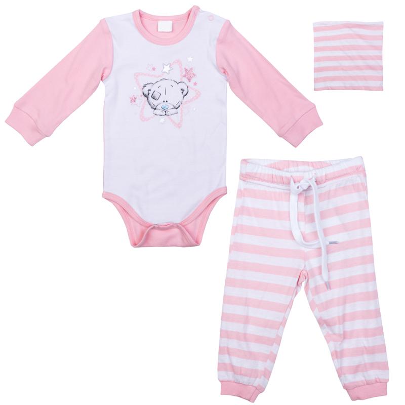 Комплект одежды для девочки PlayToday: боди, штанишки, шапочка, цвет: светло-розовый, белый. 578801. Размер 56578801Комплект PlayToday, состоящий из боди, штанишек и шапочки, - отличное дополнение к повседневному гардеробу ребенка. Боди с длинным рукавом, по плечу модель дополнена застежками-кнопками, манжеты на мягких трикотажных резинках. Для быстрой смены подгузника ластовица также дополнена застежкой на кнопках. Штанишки на широкой резинке, не сдавливающей живот ребенка, с регулируемым шнуром-кулиской. Брюки и шапочка выполнены в технике Yarn Dyed - в процессе производства используются разного цвета нити. При рекомендуемом уходе модель не линяет и надолго остается в первоначальном виде. Низ брючин - на мягких трикотажных резинках. Шапочка хорошо облегает голову и комфортна при носке.